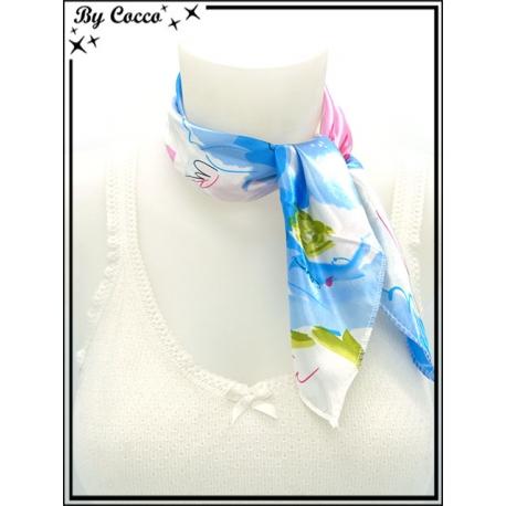 Carré satin - Fond blanc - Fleurs - Bleu / Rose / Vert