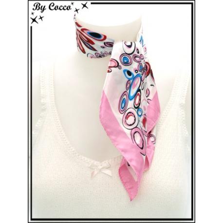 Carré satin - Fond blanc - Cercles roses, rouges et bleus - Bordure rose