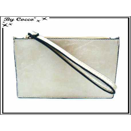 Pochette semi-rigide - Aspect cuir - Doré