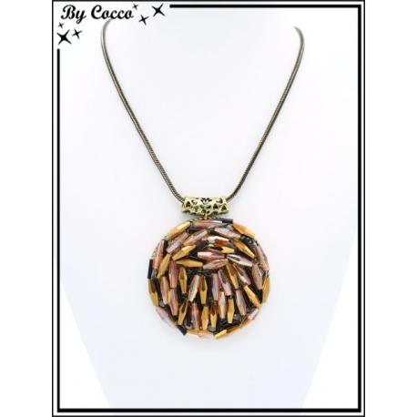 Collier - Pendentif rond - Perles tons orangés / cuivrés
