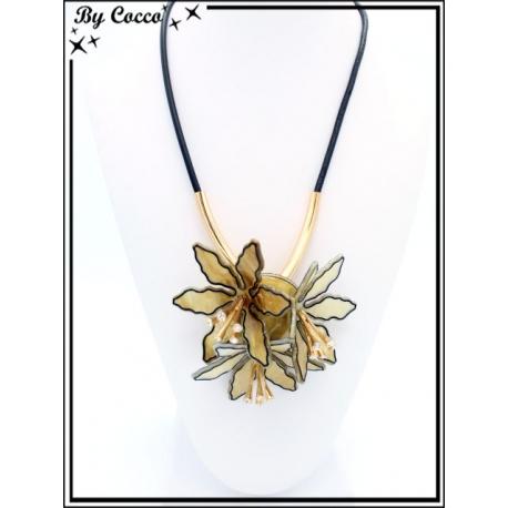 Collier - Résine - 3 fleurs - Beige