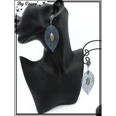Boucles d'oreilles - Feuille filigranne ajourée - Perle - Gris clair