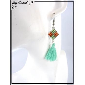 Boucles d'oreilles - Pompon - Losange / carré de perles - Vert d'eau
