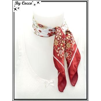 Carré satin - Fond blanc - Fleurs beiges - Large bordure rouge