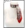 Carré satin - Fond beige - Arabesques et bordure rouges