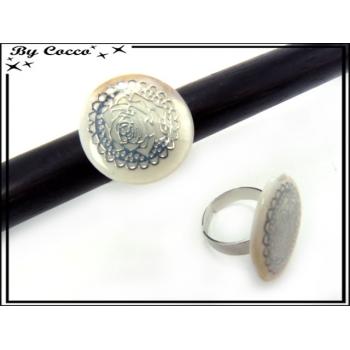 Bague - Rose argentée - Blanc