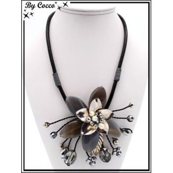 Collier - Fleur perles - Doré / Noir