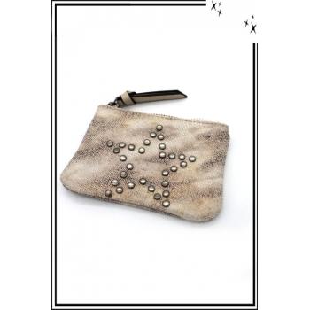 Petite pochette - Etoile cloutée - Patinée - Beige